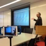 Alvaro apresentando os dados inédtos