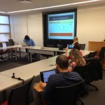 Elizabeth apresentando a plataforma Harvard Dataverse