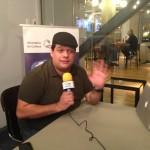 O comediante Amadeu Maya dando o seu depoimento no digaaí sua história